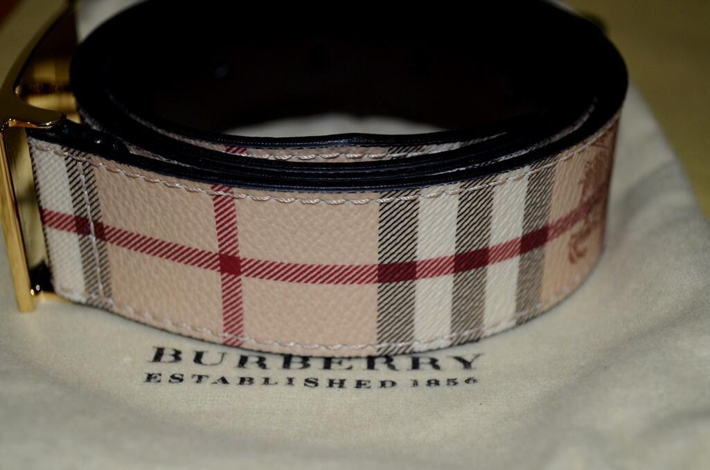 FS-- Burberry Haymarket Original Belt. Only 1x Used !!!!