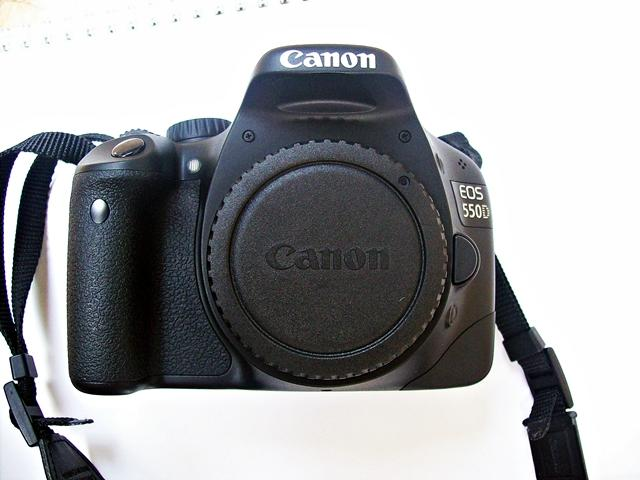 CANON EOS 550D MINT CONDITION