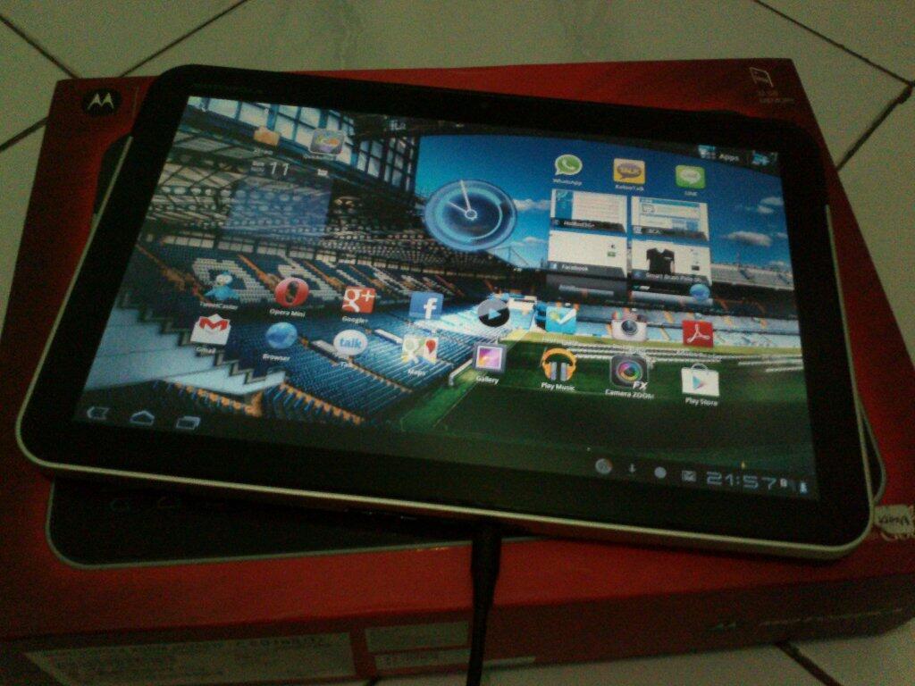 jual PC Tablet Motorola Xoom 32GB MZ601 (second nice condition)