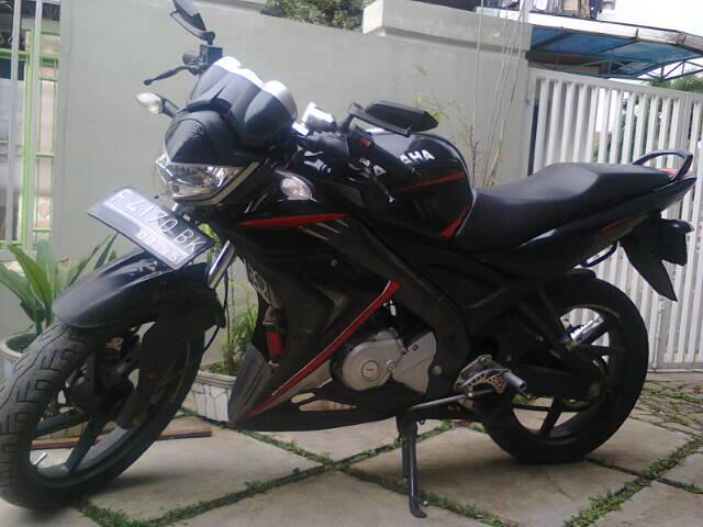 Dijual cepat dan murah Yamaha Vixion tahun 2010 warna abu-abu plat F