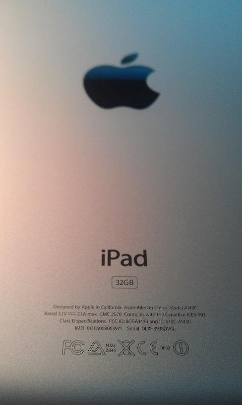 iPad 3 WHITE 32GB, 4G Data, WiFi + Smart Cover (Lime Green)