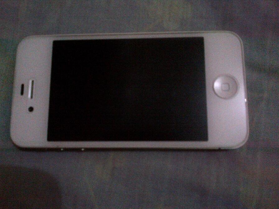 Iphone 4s 16GB masih garansi Murah aja gan