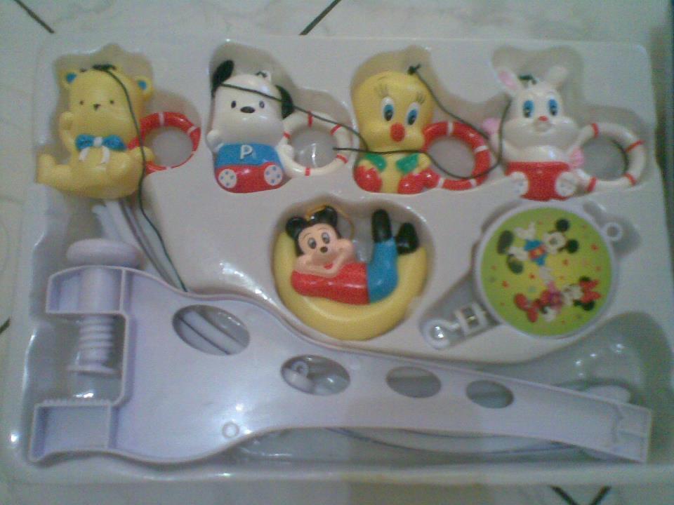 Mainan gantung Musical Mobiles bandung