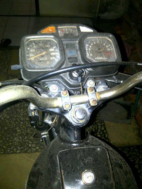 GL 100 93 tangan 1 , pajak jalan, surat lengkap & mesin halus ( Semarang)