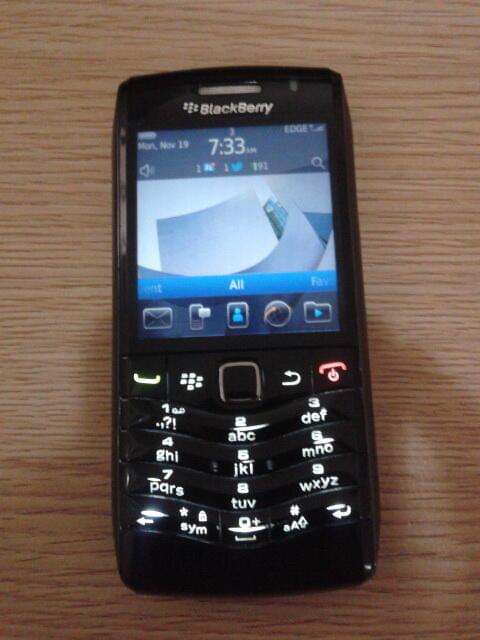 Blackberry 9105 Piano Black