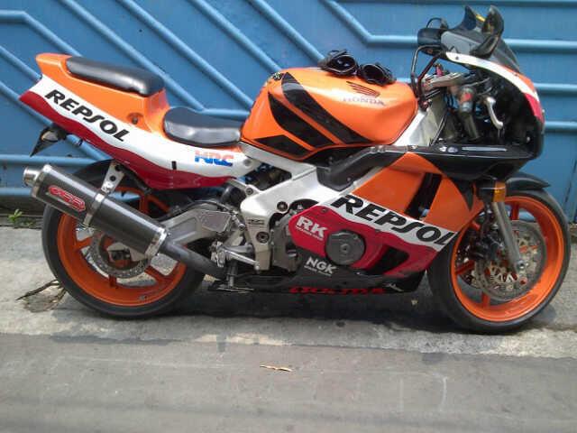 Honda CBR 400 NC29 Fireblade CBU Repsol ( terawat, Rare nih )