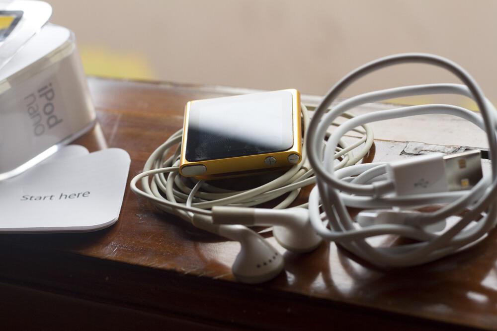 Ipod Nano 6th Generation 8GB Orange.