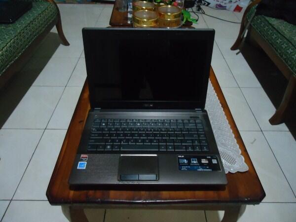 Notebook Gaming Asus A44H Prosesor B800 sandybridge ram 4GB VGA ATI 1GB kinyis2 mulus