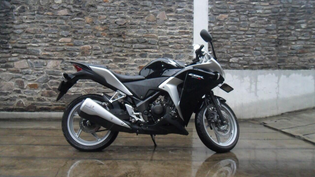 Honda CBR 250R ABS Plat No D