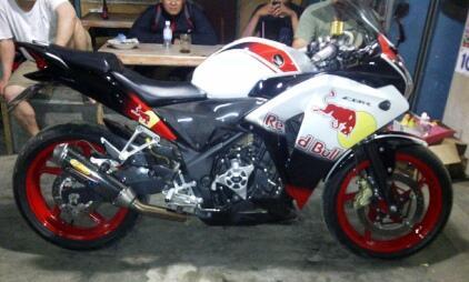 Honda CBR 250 Red Bull full modif (jual cepat)