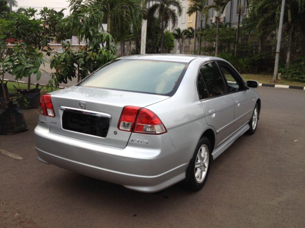 Honda Civic Vti-s A/T 2004 Silver (istimewa)