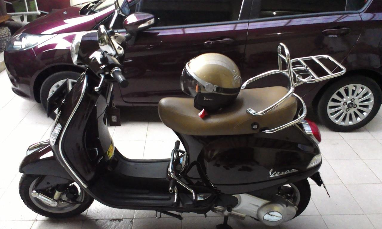 For Sale VESPA LX 150ie very very mint condition thn 2012