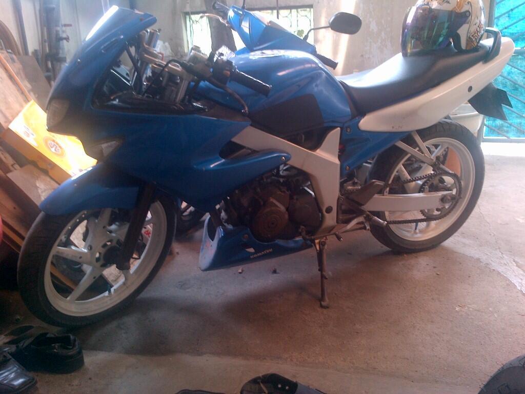 Suzuki FXR 2003 blue..