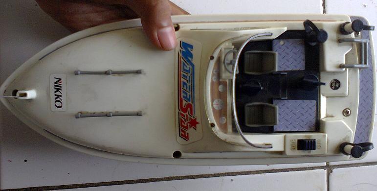 Remote Control (R/C) Speedboat / Perahu Nikko WaterStar / Water Star