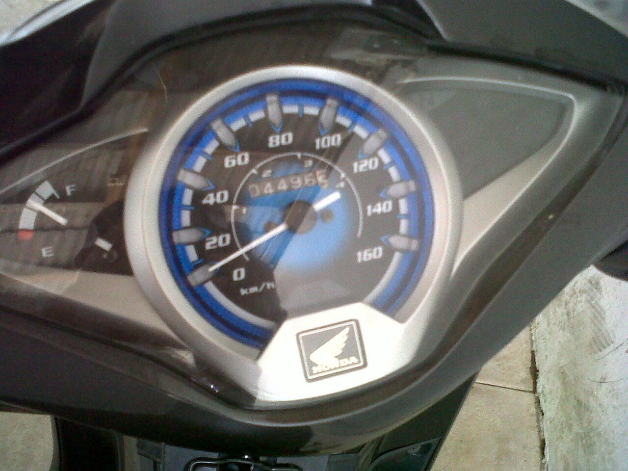 Supra X 125 PGM FI 2011 Helm IN