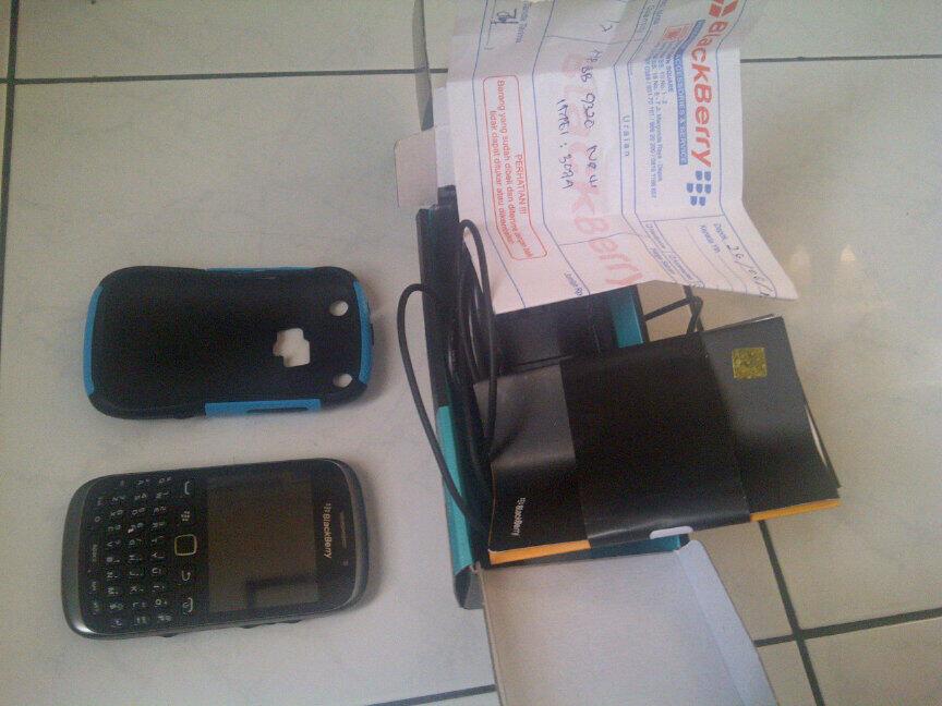 Blackberry Amstrong 9320 Black garansi Selular Shop