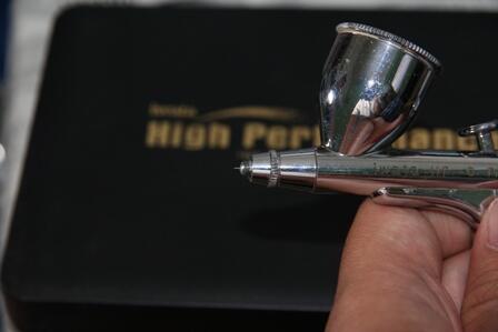 Airbrush / penbrush Iwata HP-C Plus dan Kustom Micron CM
