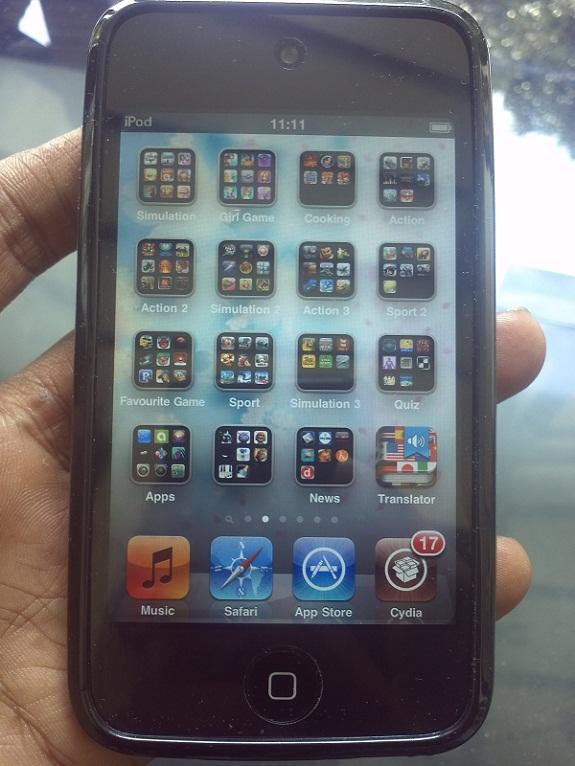 Ipod Touch 4th Gen 32GB Black Lengkap
