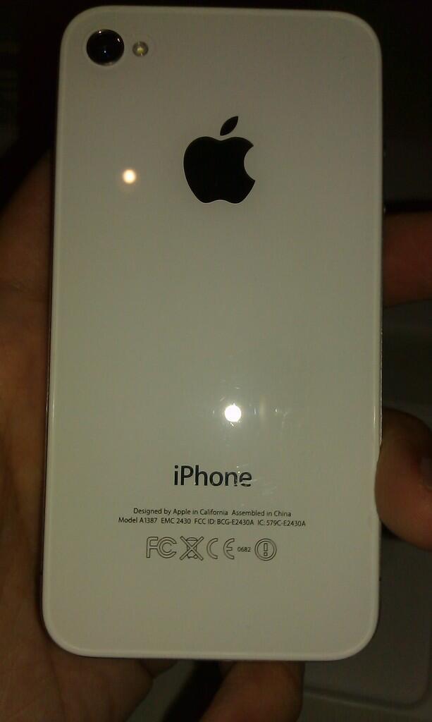 Apple Iphone 4S WHITE 64GB FU MULUS dan BONUS TRANSFORMER CASING LENGKAP