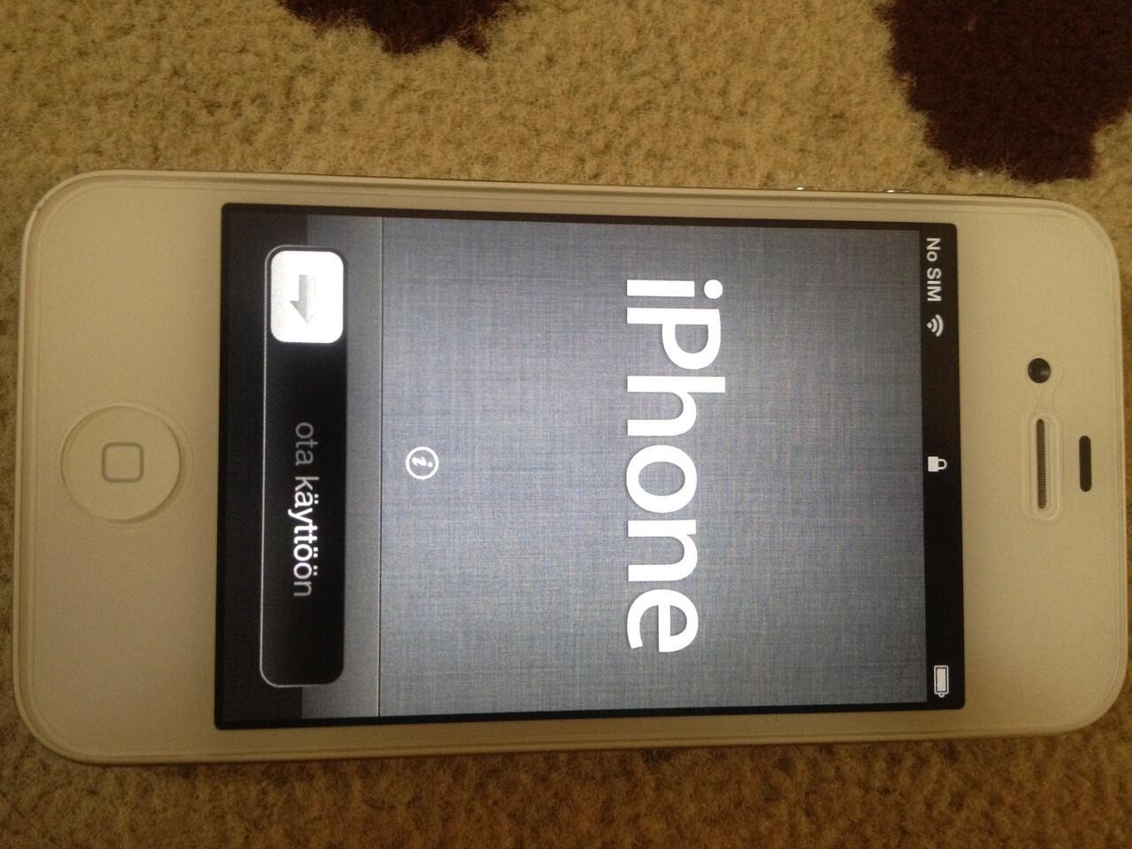 Jual iphone 4 white 16 Gb Ex-bundling XL (Resmi) Mulus Lokasi Semarang
