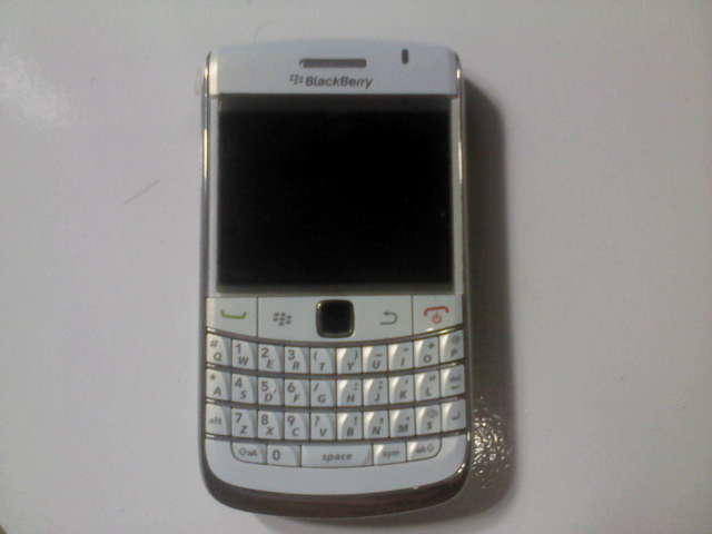 Jual Blackberry Onyx2 White Garansi TAM