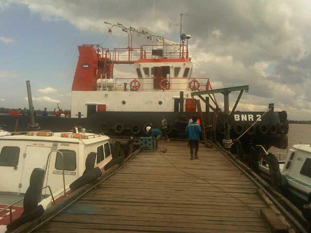 wts tug boat dan barge