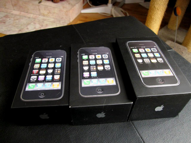 IPHONE 3GS 16GB , MURAH !