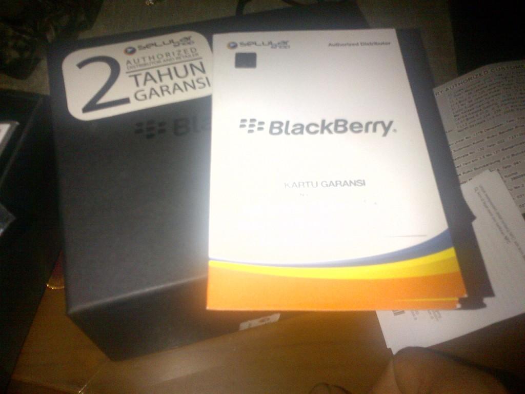 Blackberry Bold 9900 Dakota Black