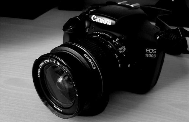 jual kamera canon 1100d+lensa 18-55mm kit3 LENGKAP