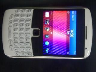 jual blackberry apollo 9360 putih second mulusss....