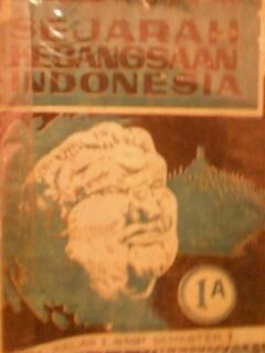Buku Sejarah Kebangsaan Indonesia (SKI) untuk kelas 7 SMP semester 1