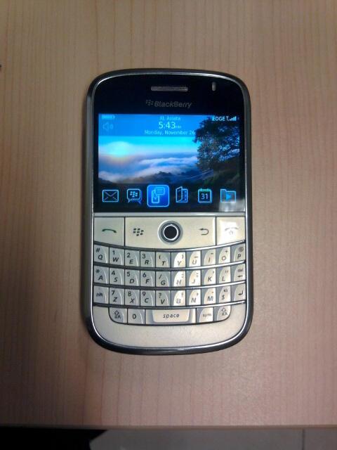 Blackberry Bold 9000 White ( Jual )