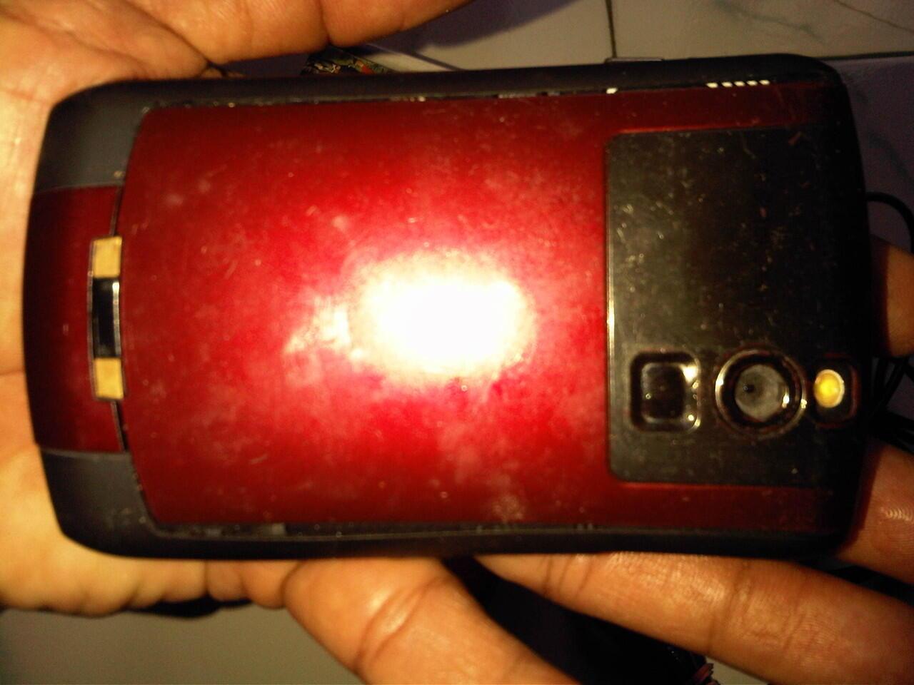 blacberry 8310 merah normal,,