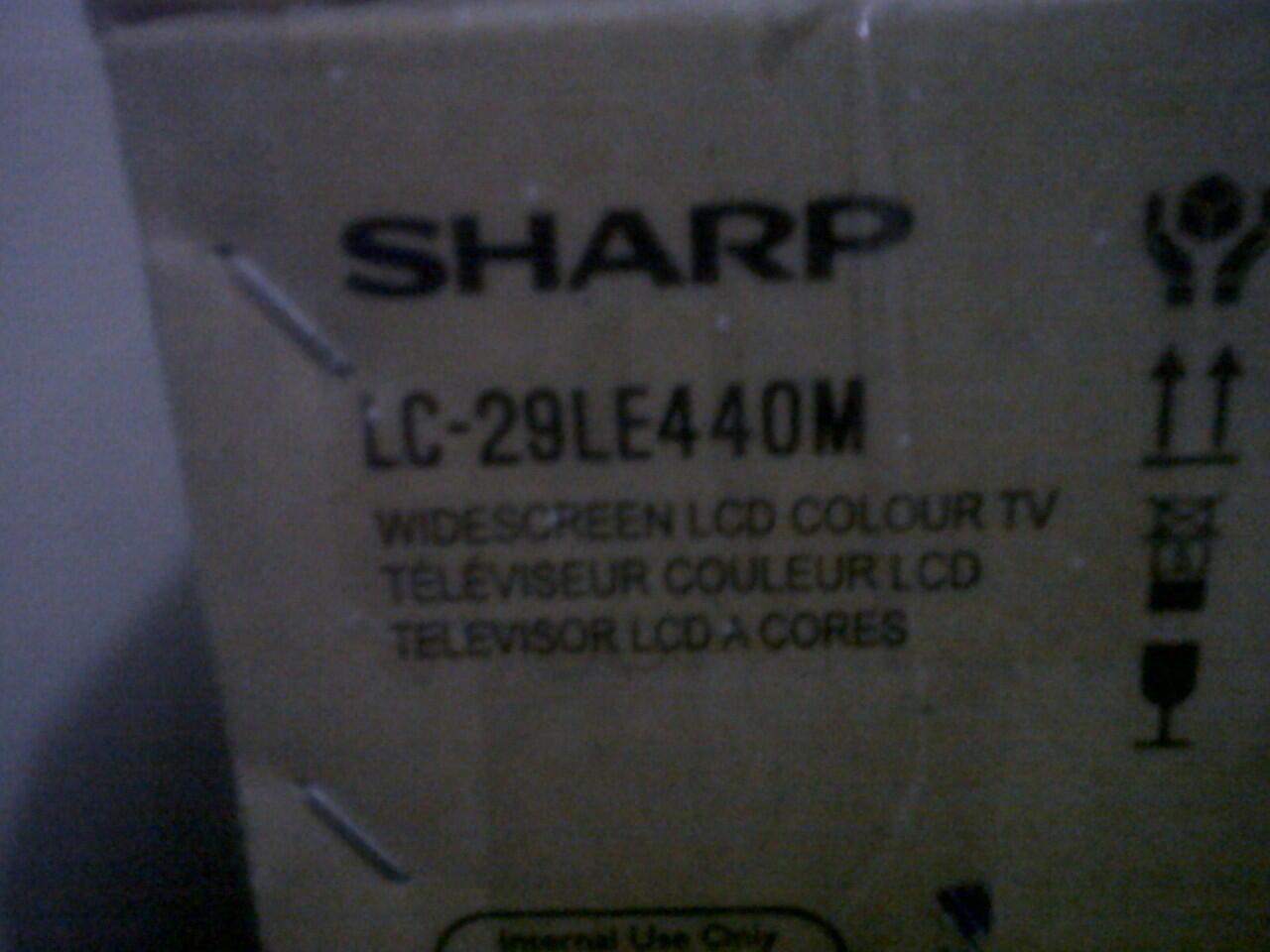 Di jual tv led merk sharp 29 inci masih baru 3 hari ,ngga jadi pake