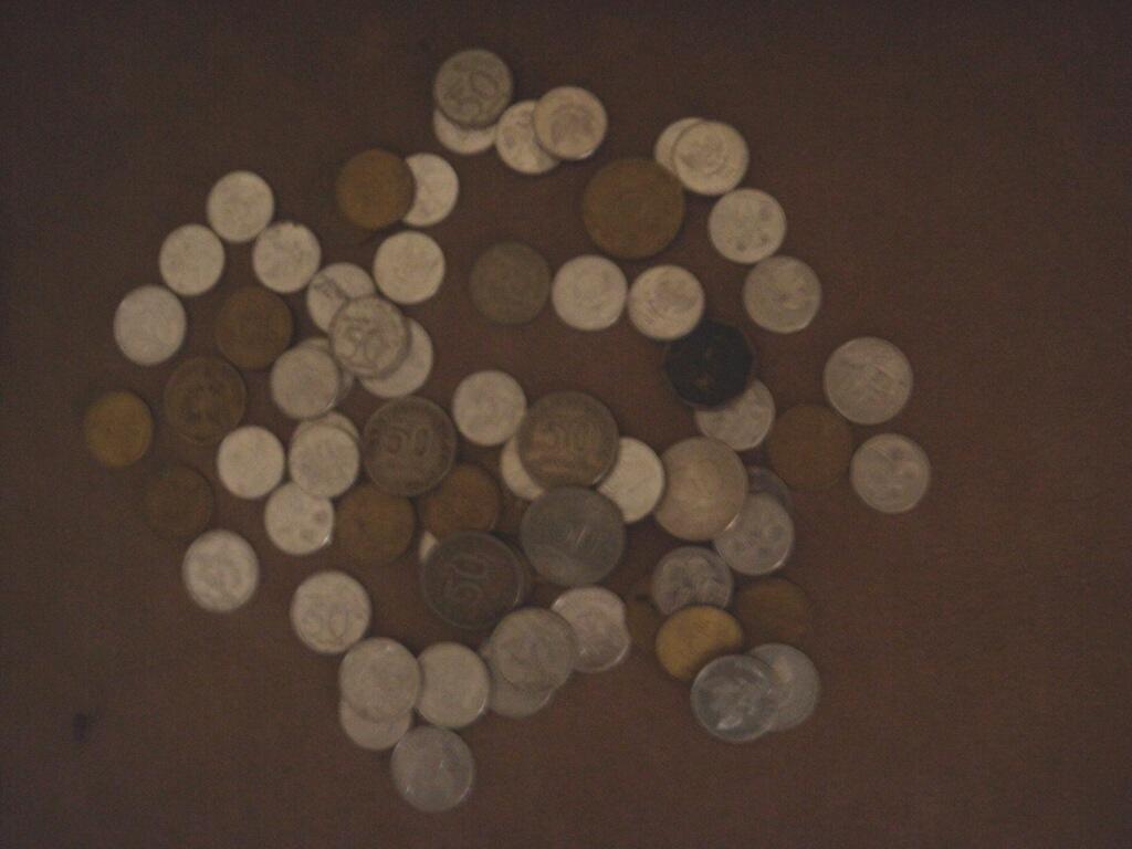 71 keping Koin Kuno Rupiah