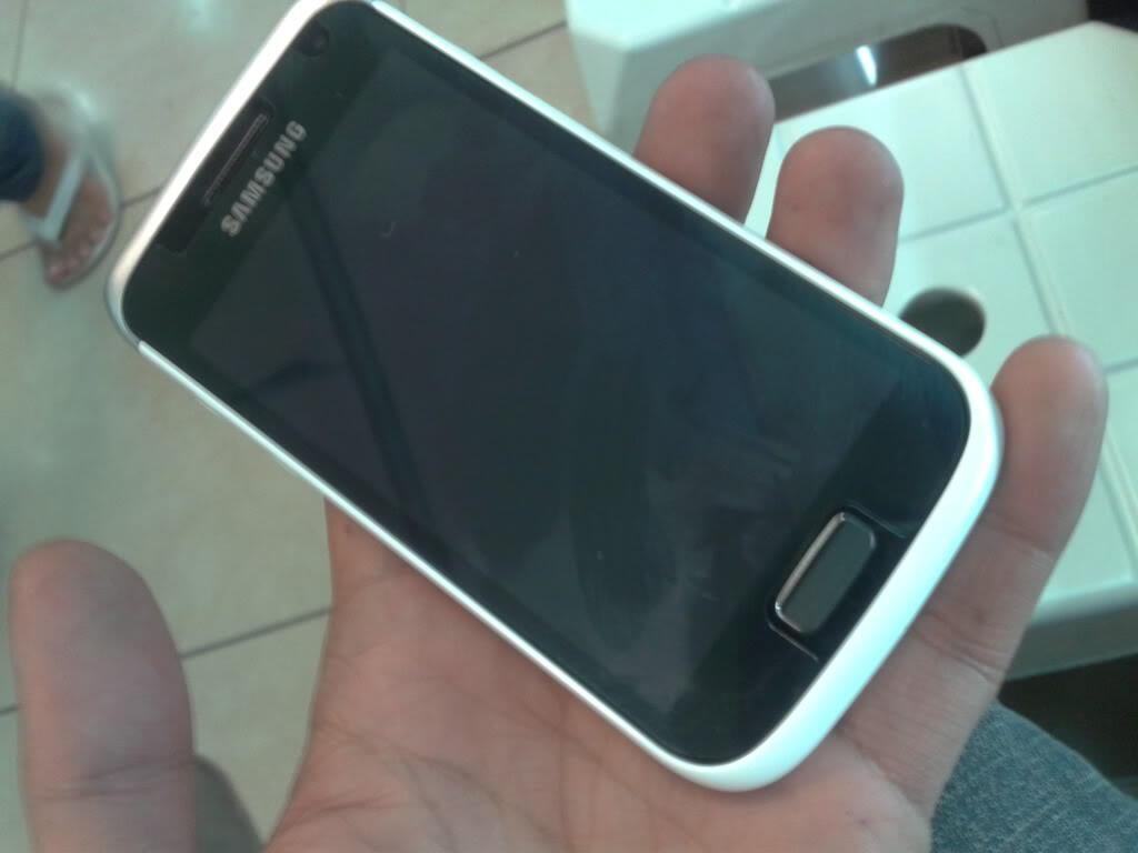 Samsung Galaxy W I8150 - Baru - Garansi Puaaanjang