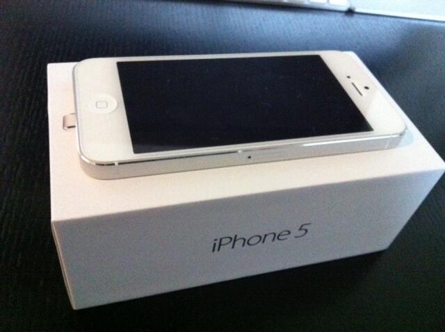WTS IPHONE 5 WHITE 16GB MULUS 99%