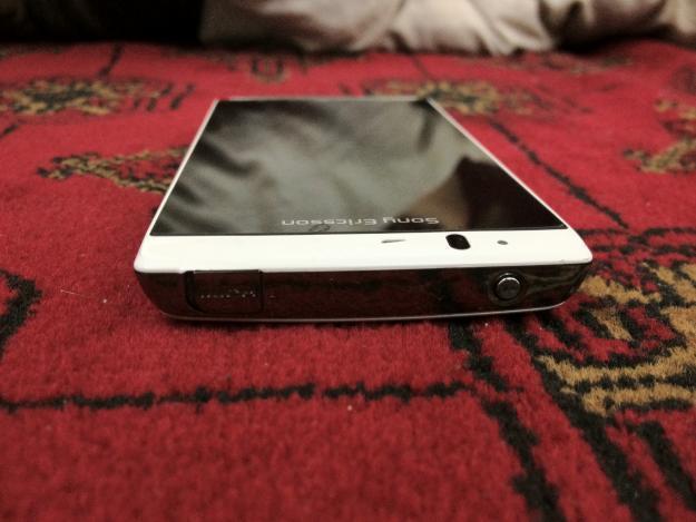 Sony Ericsson Experia Arc S white BU