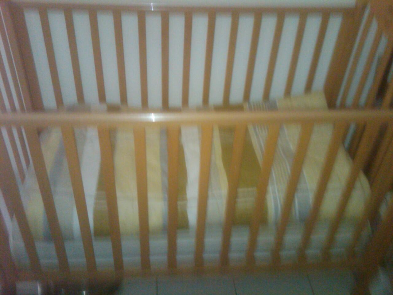 Tempat Tidur dan Dorongan Bayi