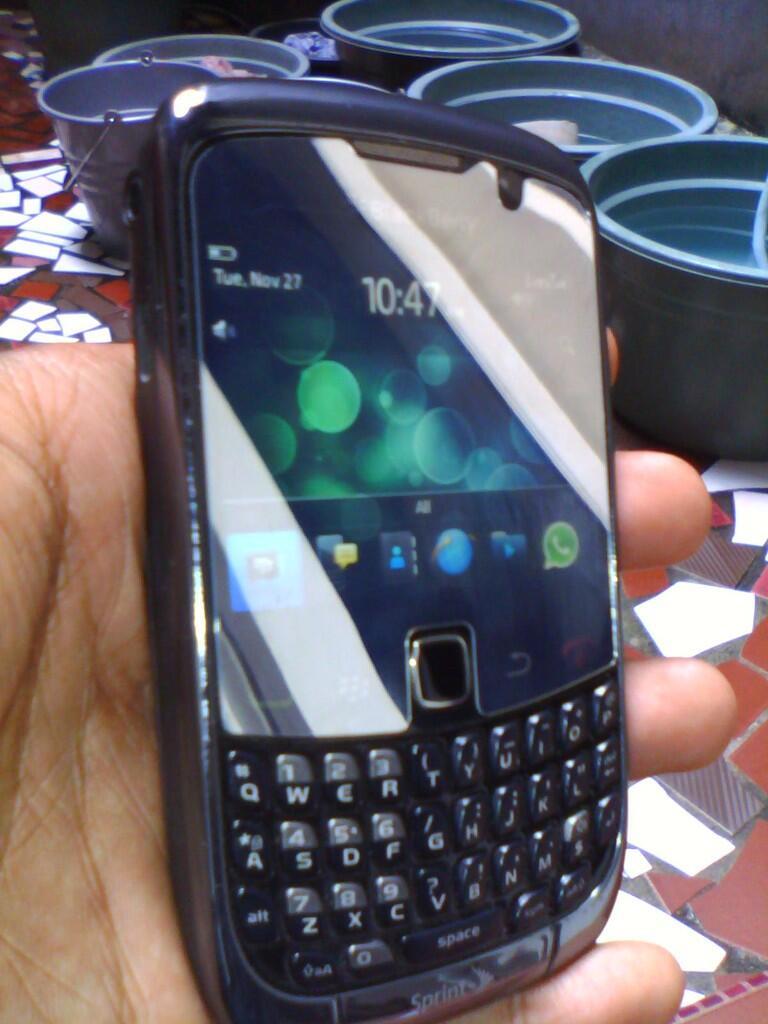 [Turun Harga] 2013 Belum punya BB? BlackBerry 9330 CDMA Murah 600 ribuan