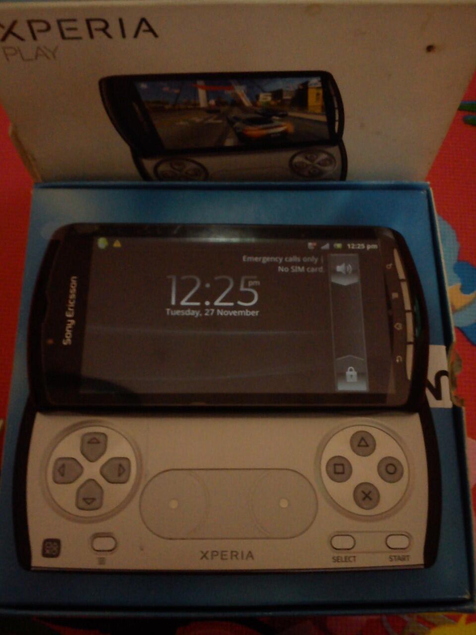 Sony Xperia J & Xperia Play