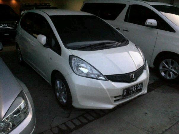Di Jual Cepatt..!!! Honda JAZZ S PUTIH 2012 A/T
