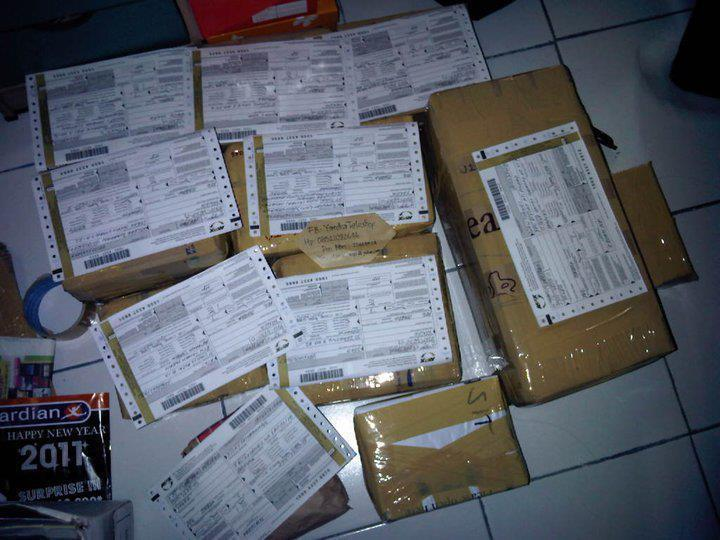 RESKHY SHOOP NEW BNIB APPLE IPHONE 4S 16GB 32GB 64GB HRGA SPECIAL BM RP.1.200.000
