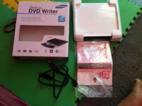 [WTS]+++Dijual DVD Writer Slim Portable(merk SAMSUNG) wil Bandung