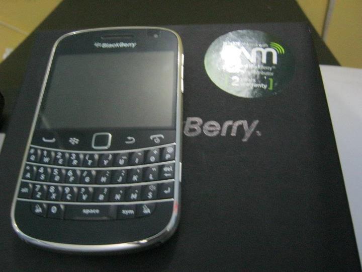 BlackBerry Bold 9900 New & Original PIN:2835C0E3