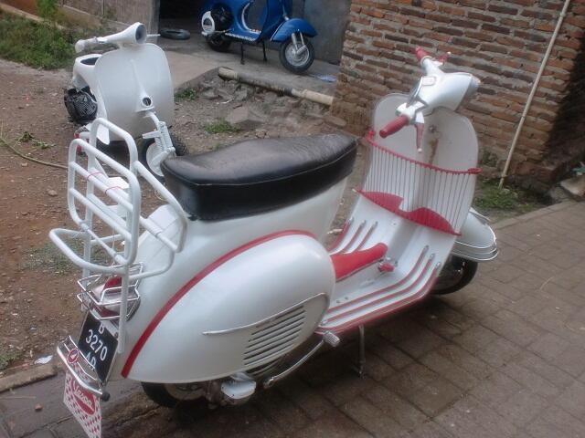WTS Vespa taon 60 3 Speed (warna putih mutiara) Gatau mau jual berapa