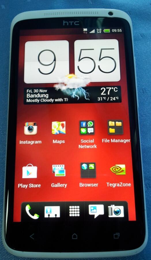 WTS/TT HTC ONE X GARANSI PANJANG RESMI 100% MULUS