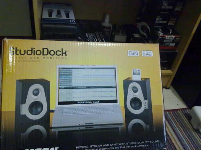 Samson 3 Dock iPod & USB Streaming Audio Kondisi Like New