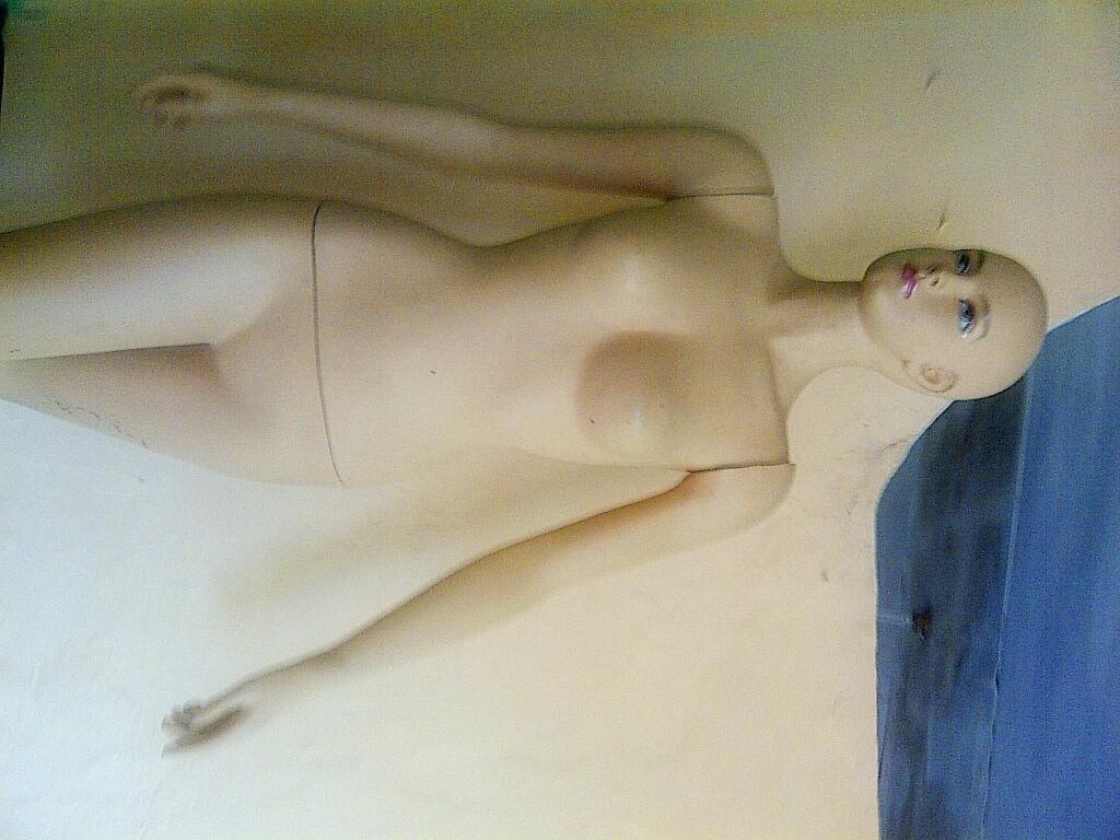 Jual Manekin / Patung Fullbody Seluruh Badan Wanita bahan Fiber
