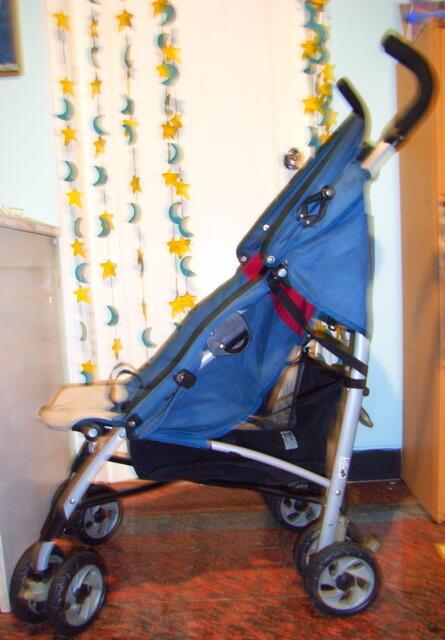 Jual: Stroller Chicco mulus warna biru